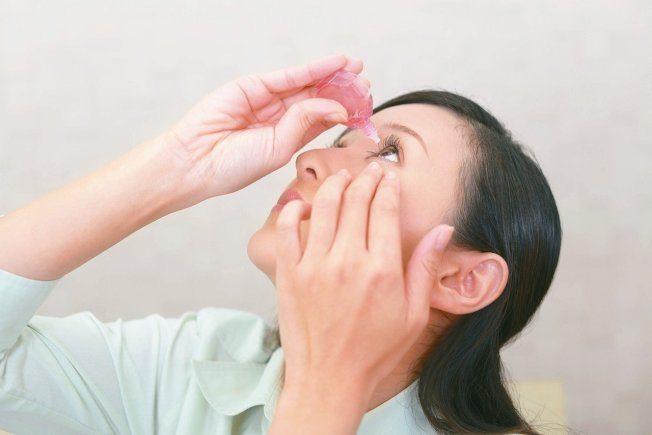 眼睛疲勞想按眼放鬆 醫:當心有反效果