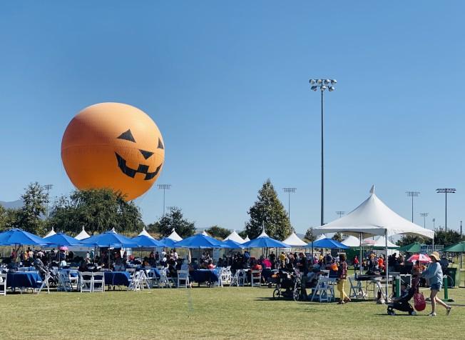 爾灣地球村美食文化藝術節在橙縣大公園舉辦。(記者尚穎╱攝影)