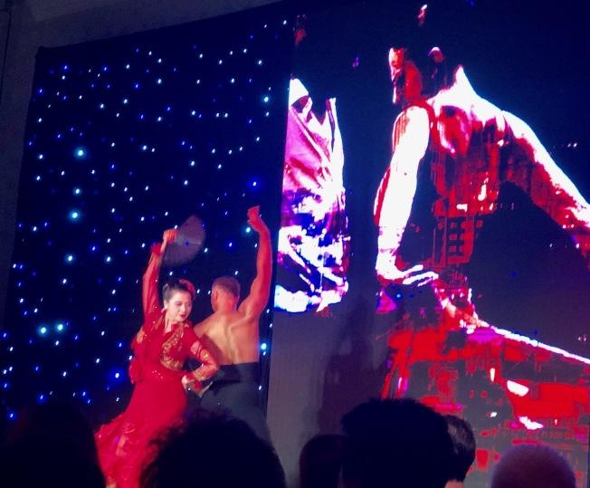 賈韻臻與男舞者熱情澎湃的阿根廷探戈,激起全場熱血沸騰。(記者胡清揚/攝影)