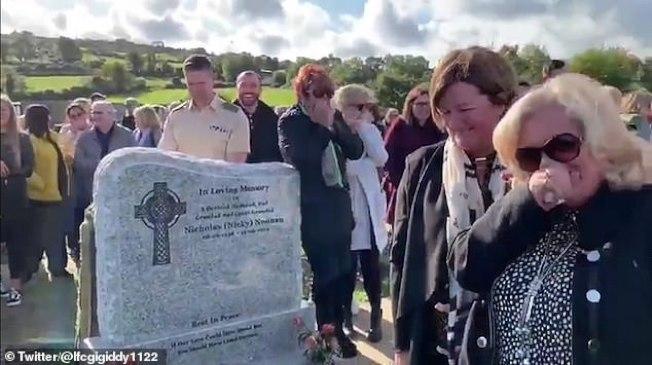 愛爾蘭老翁謝伊·布來德利12日在自己的喪禮上,最後一次逗自己的親朋好友開心。取材自推特