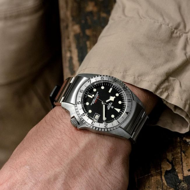Black Bay 36系列腕錶,做工細緻、內斂典雅