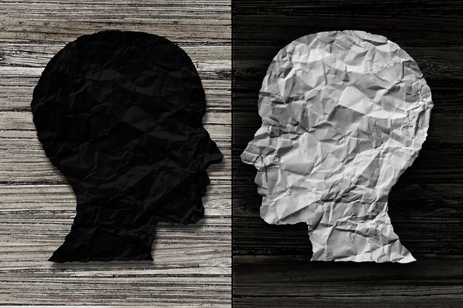 許多憂鬱症患者並非因為心情不好或沮喪而就醫,很多人一開始是失眠、睡不好而早醒、醒來就不易入睡等,或身體其他方面的不舒服、疼痛,而先去求助於家醫科或一般內科診所,經過評估後診斷為憂鬱症。 圖/ingimage