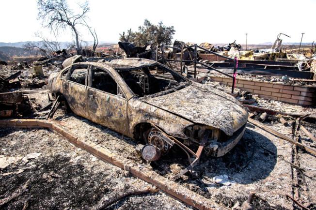 遭山火毀壞的車輛。(網絡)