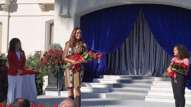 吉娜.托瑞斯在《金裝律師》中飾演女律師。(記者 蕭永群/攝影)