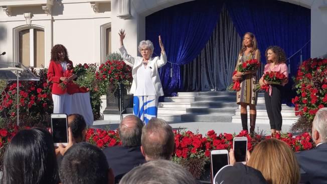 麗塔.莫瑞諾雖然已逾70歲,卻仍然有活力。(記者 蕭永群/攝影)