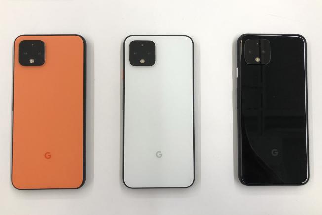 Pixel 4系列手機共推出純粹黑、就是白,以及全球限量的「如此橘」新色。(美聯社)