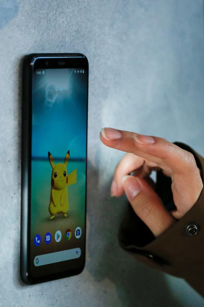Motion Sense功能,可以直接不用手碰螢幕就能用快捷手勢操作。(路透)