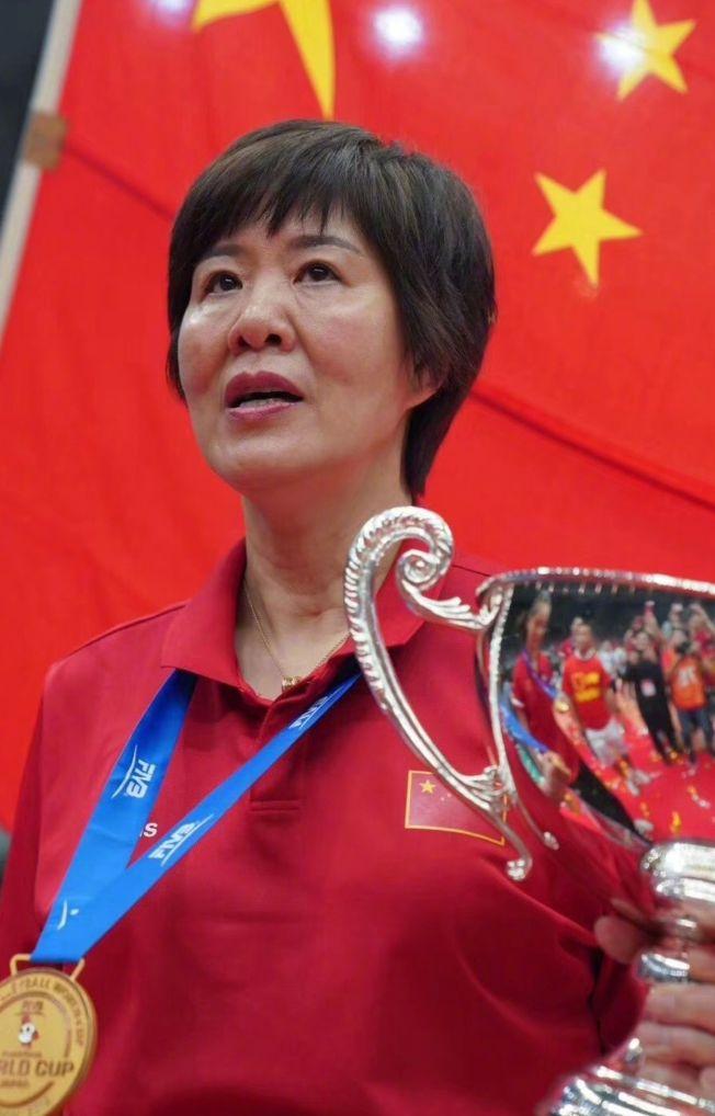 如今的郎平被中國網友稱為「女神」。(取材自微博)