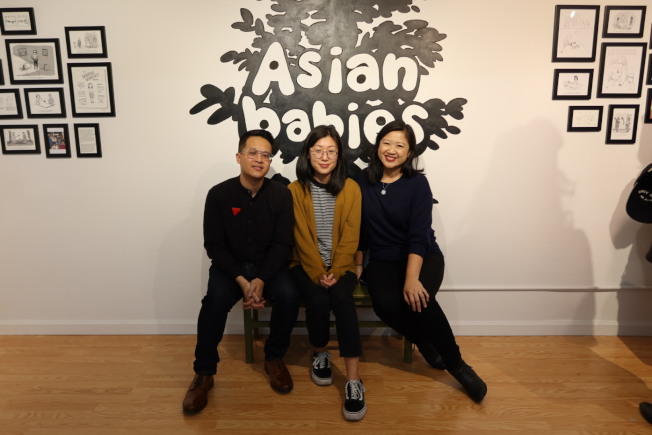 Jeremy Nguyen(左起)、Suerynn Lee以及鄺瑛瑛為「亞洲寶寶」漫畫展助力。(記者張晨/攝影)