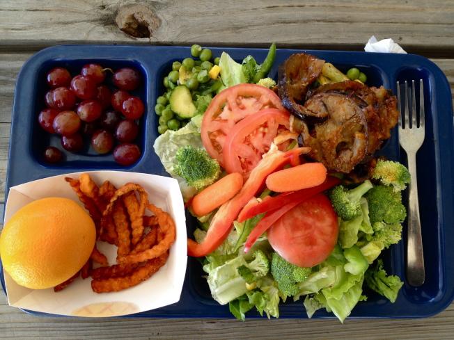 無法收到午餐費令新州許多學區頭痛。(Foodcorps.org)