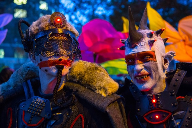 每年超過200萬人參加格林威治村萬聖節大遊行。(取自臉書)