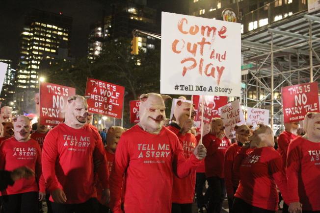 紐約萬聖節的重頭戲「格林威治村萬聖節遊行」,將於31日盛大登場,今年主題為「野東西」。(本報檔案照)