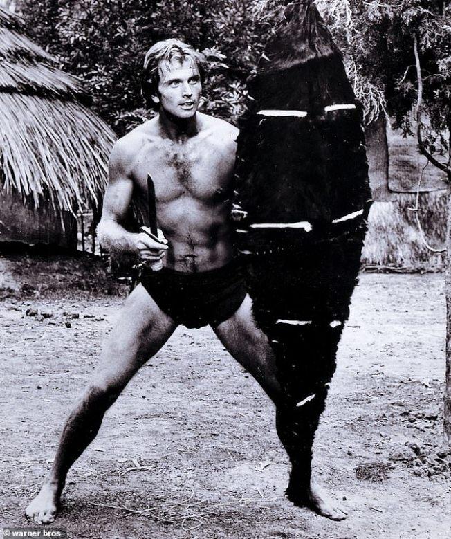 老牌影星羅恩伊利當年「泰山」英姿。(華納公司)