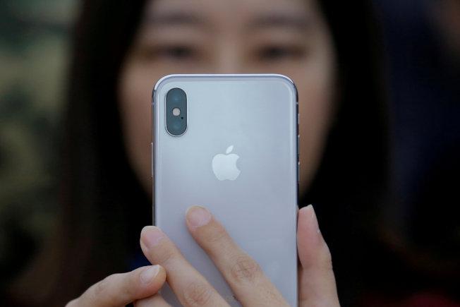 想用舊iPhone換新機,先檢測舊機的價值。(路透)
