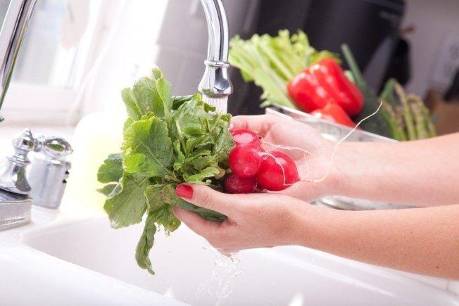 洗菜示意圖。圖/ingimage
