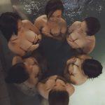 6正妹網美相約全裸泡湯  「上帝視角」讓網友狂噴鼻血