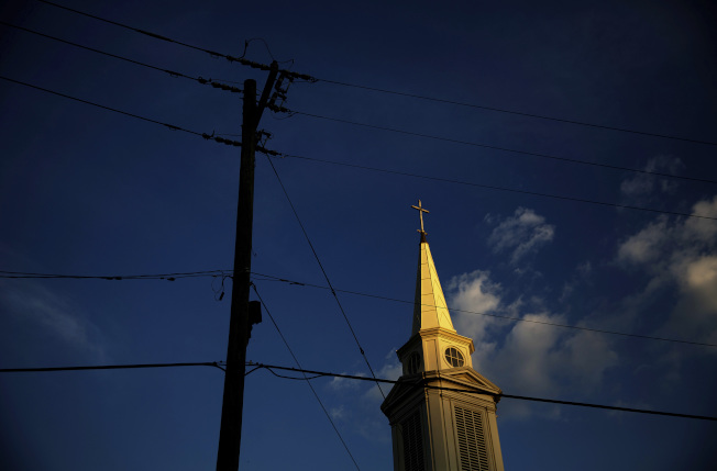 無宗教信仰的美國人比率大幅增加,自稱是基督徒的美國人比率急劇下降。(美聯社)