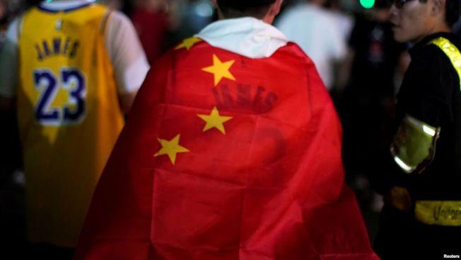 中美貿易戰看似暫時停火,但NBA及香港事件持續發酵,中美關係恐進入「新冷戰」 。(路透)