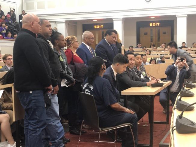 麻州H.2681法案聽證會,許多社區組織代表和民眾發言陳述支持和反對意見。(記者劉晨懿之/攝影)