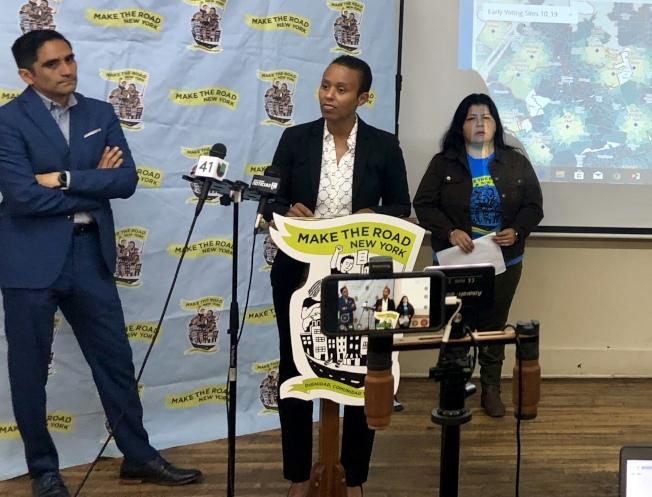 市府及移民倡導團體代表介紹提前投票詳情,說話者為豐塞卡-薩本。(記者朱蕾/攝影)
