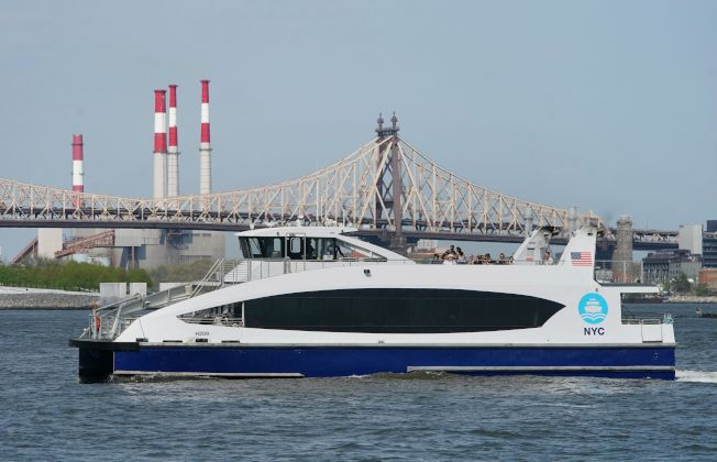 根據向紐約市人權委員會提交的歧視投訴,紐約市渡輪公司的雇員以「安全問題」為理由,拒絕讓三個穆斯林家庭上船。(Getty Images)