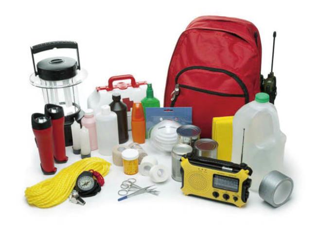防範地震,家裡和車上都要準備地震包,常常檢查。(Getty Images)