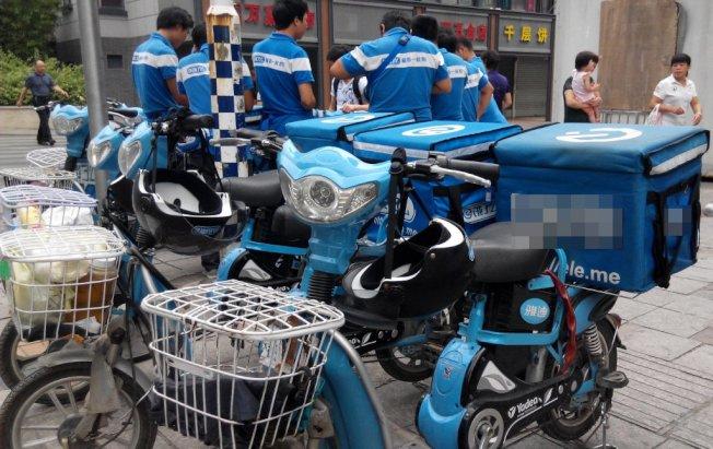 中國的外送行業蓬勃發展,競爭也相當激烈。照片為示意圖,人物與本文無關。 圖/中新社資料照片