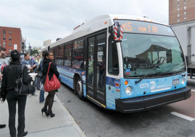 MTA加裝監控攝像頭一周以來,已發出1500封警告信給違規占用公車道的車主。(取自MTA官網)