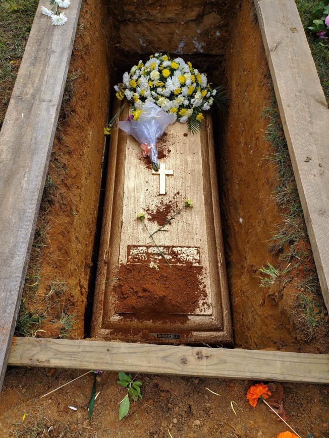 遇難遊民郭全終入土,新澤西墓園安家。(社區人士提供)