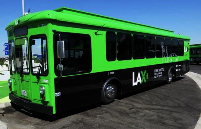 民眾若在測試期間看到印有「LAX-it」標誌的接駁巴士在機場中心區域(CTA),不要等待或搭乘。(LAX)