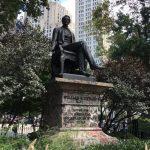 工程師等83年…購阿拉斯加功臣雕像 底座終可換新