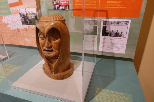 密西西比三角洲華人文化博物館展出雕塑家Jerome Seu的雕刻作品「耶穌」像(記者金春香/攝影)