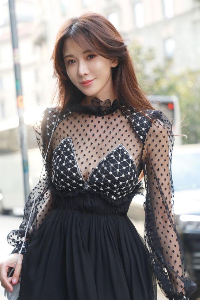 聽聞林志玲結婚,日本導演三谷幸喜受打擊。(取材自臉書)