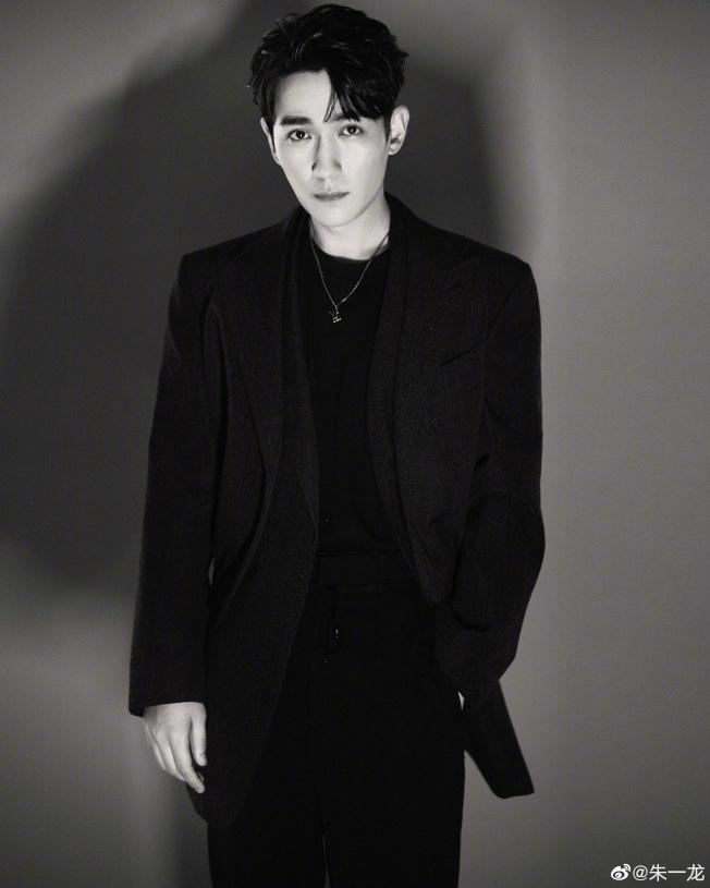 男星朱一龍的演技受到肯定,累積許多粉絲。(取材自微博)