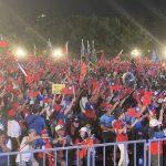 馬吳韓台南造勢進場 支持者擠爆:像被浪打到