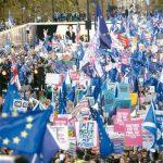 英相強生脫歐協議受阻 留歐派群眾歡欣鼓舞