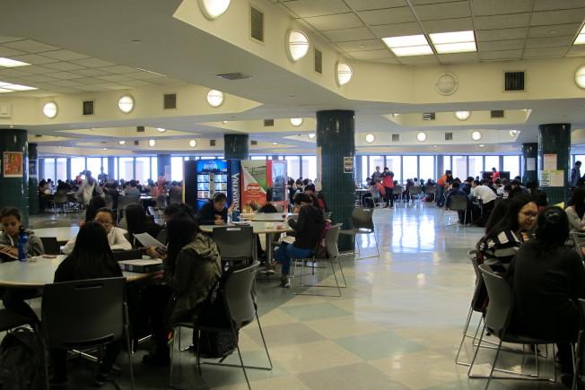 公校免費午餐能夠幫助學生更好學習。(本報檔案照)