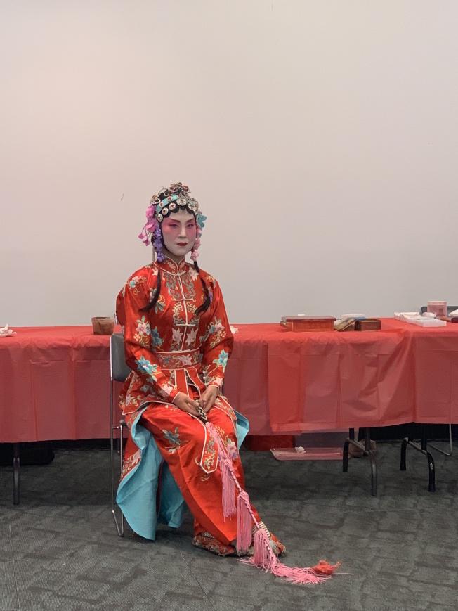 19日圖書館舉行的文化橋樑活動上,白禹惠飾演「旦行」。(本報記者/攝影)