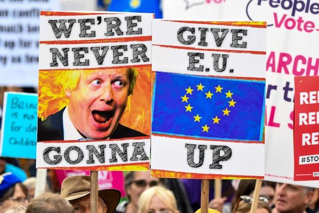 英國國會表決脫歐協議的同時,數十萬人湧上倫敦街頭,要求舉辦二次公投,傾聽直接民意。(Getty Images)