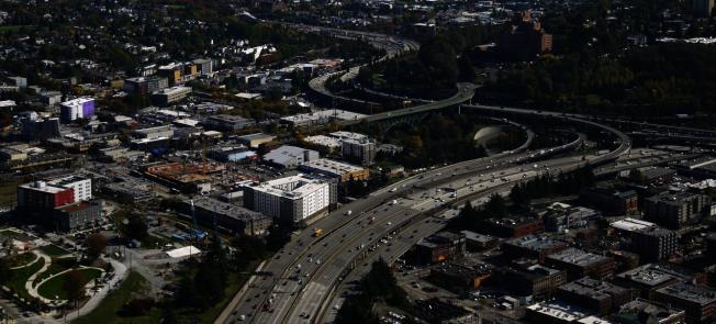 西雅圖近幾年來蓬勃發展,辦公大樓或住宅區如雨後春筍般的成長。(記者王又春/攝影)