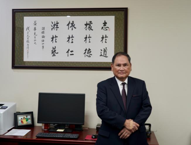 在美國銀界從業44年,擔任三家銀行總裁超過30年的美加銀行總裁羅益華。(記者陳開/攝影)