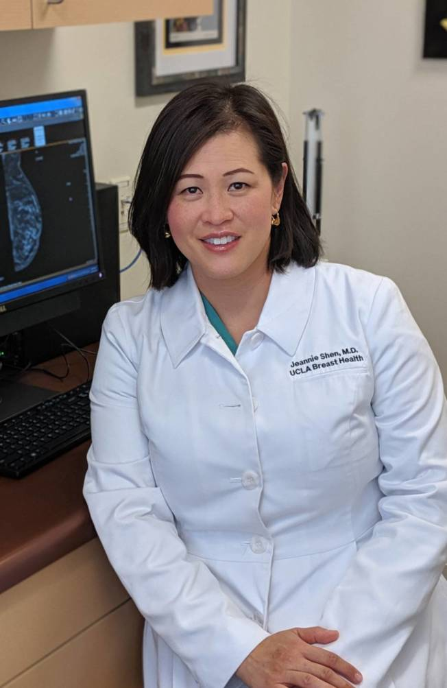 UCLA醫學院腫瘤外科臨床副教授沈寶齡醫師表示,穿內衣其實不會導致乳癌。(記者 蕭永群/攝影)