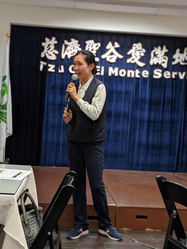王思瀅提醒,養老院的費用並不是全由白卡支付。(記者蕭永群/攝影)