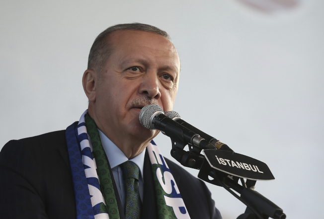 土耳其總統厄多安20日表示,密切注意庫德族民兵依停火協議撤退的情況,絕不放鬆。(美聯社)