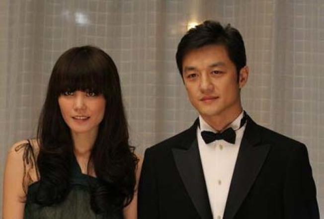 王菲(左)與李亞鵬(右)曾有一段婚姻。(取材自微博)