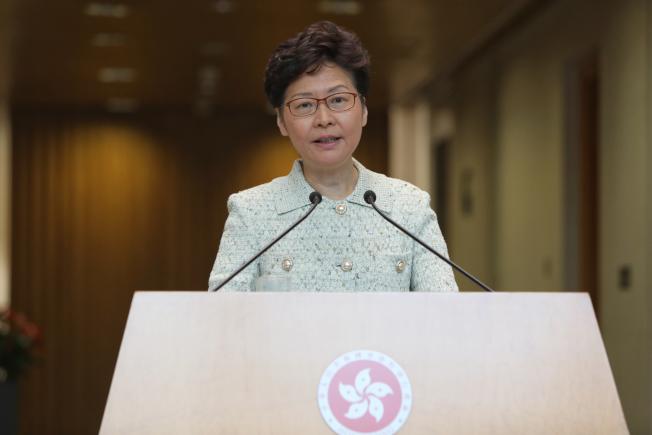 香港特區行政長官林鄭月娥對是否重組警隊表示,待事態平靜後,再客觀分析。  (中通社)