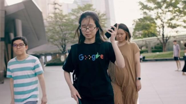Google Maps添增步行導航語音提示功能。(視頻截圖)