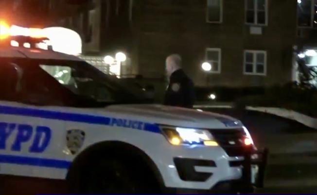 警方在車禍現場調查事故。(ABC視頻截圖)