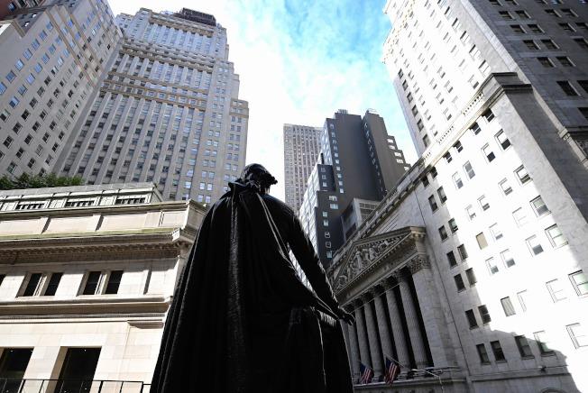 華爾街毋須過度擔憂兩人的勝選就是世界末日。(Getty Images)