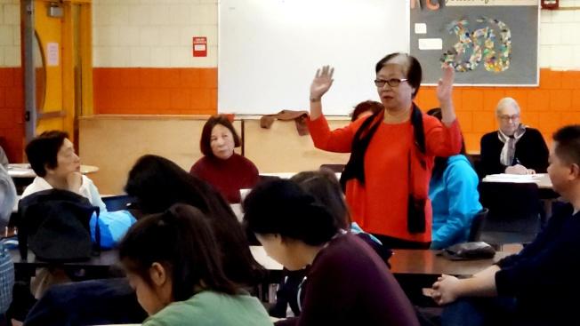 前昆士小學校長李素影說,華埠的清潔發展與保留歷史文化並無衝突。(記者唐嘉麗/攝影)